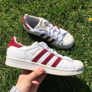 Maroon and White Suede Adidas Superstars! ❤️👟